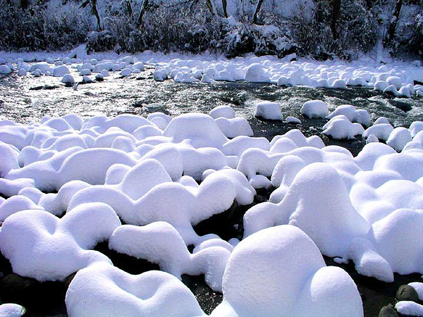 Snow Covered Boulders in Eagle Creek.